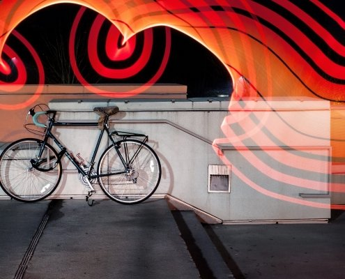 Led fietstunnel bevordert fietslamp gebruik